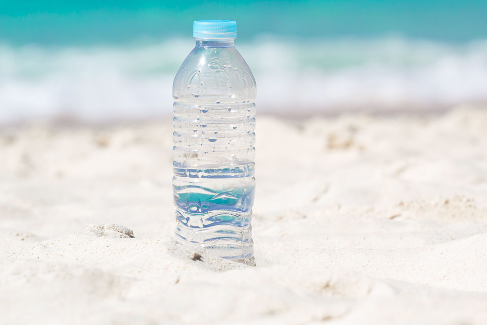acqua-da-bere-in-spiaggia